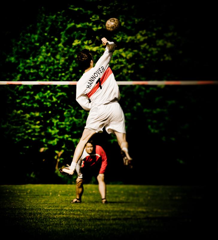 Faustball Jump
